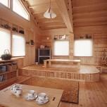 対面キッチンと小あがり風ダイニングが小粋な家