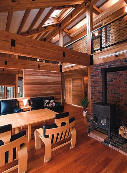 北海道の風格漂う高級木造注文住宅の家