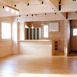 ロフトが楽しい2階と広いリビングの1階がマイスタイルの家