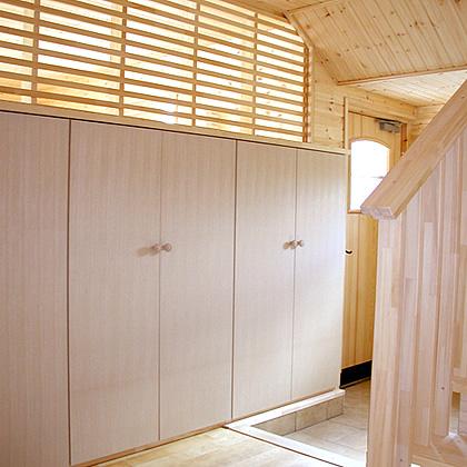 二世帯住宅で玄関を共有するフロア分離型注文プラン
