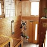 壁面を活かし収納に、DIYで家も暮らしも成長する家