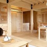 対面キッチンとアイデア収納が住み心地を高める家