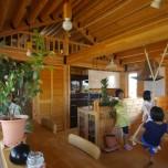 """家族の""""好き""""を集めた家づくり 自然に囲まれた2階リビングの家"""
